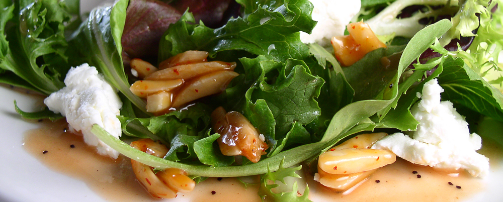 Mixed-Greens-Candied-Almond